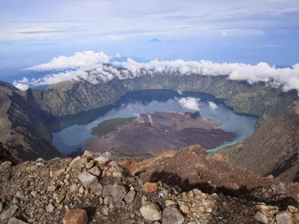 Mount Rinjani Trek Summit-Lake 4 Days